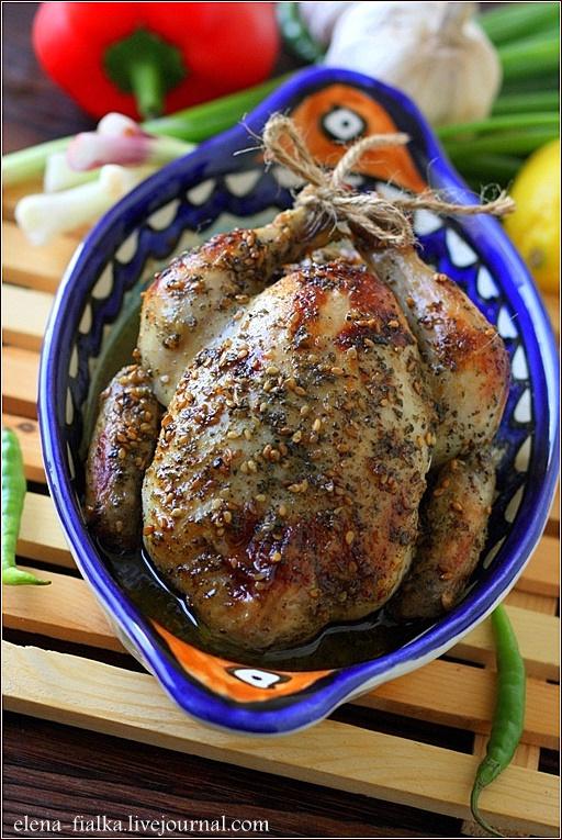 Курица запеченная целиком с лимоном и мятой