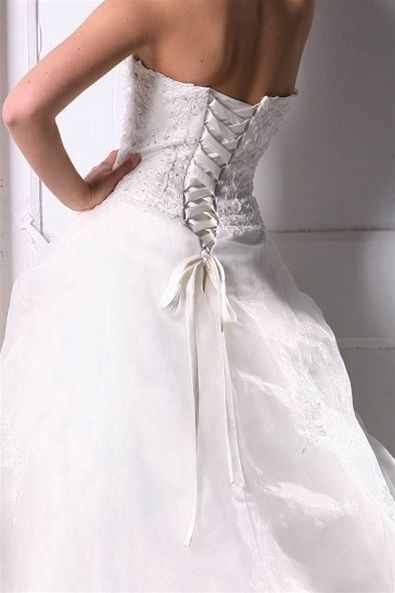 Strapless Organza & Lace Wedding Dress,Style No.0bg01243,US$384.00   Read More:    http://weddingspurple.com/index.php?r=strapless-organza-lace-wedding-dress.html