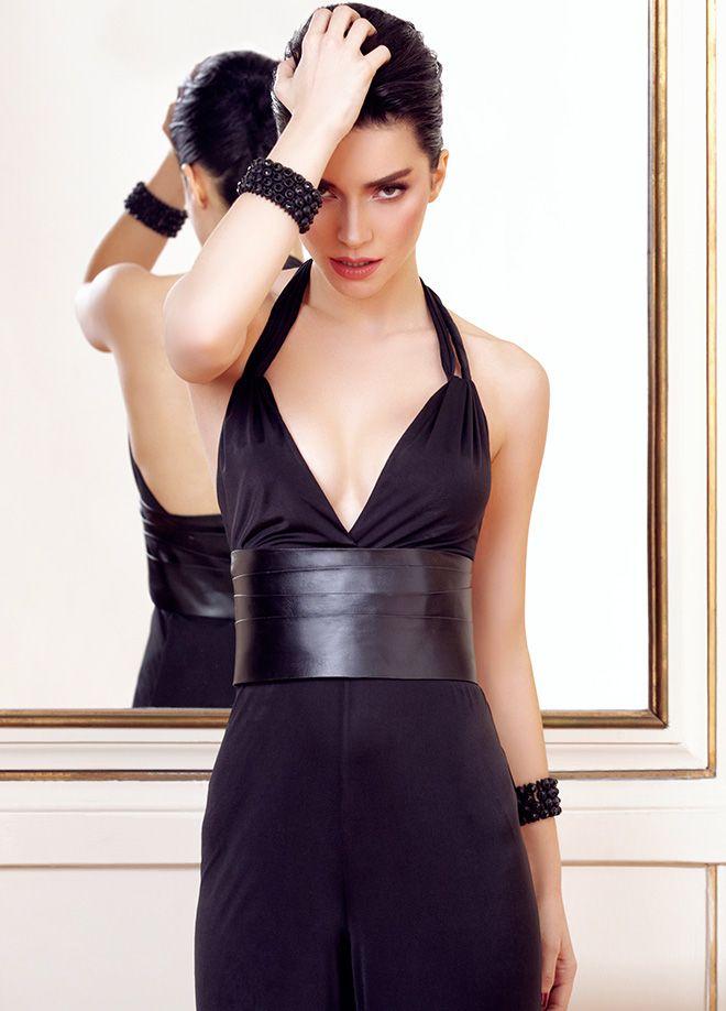 codentry & Merve BOLUĞUR Tulum Markafoni'de 149,90 TL yerine 99,99 TL! Satın almak için: http://www.markafoni.com/product/5073939/ #moda #mervebolugur #gothic #stil #siyah #trend #look #markafoni #fashion #celebrity #stylish #style #photoshoot