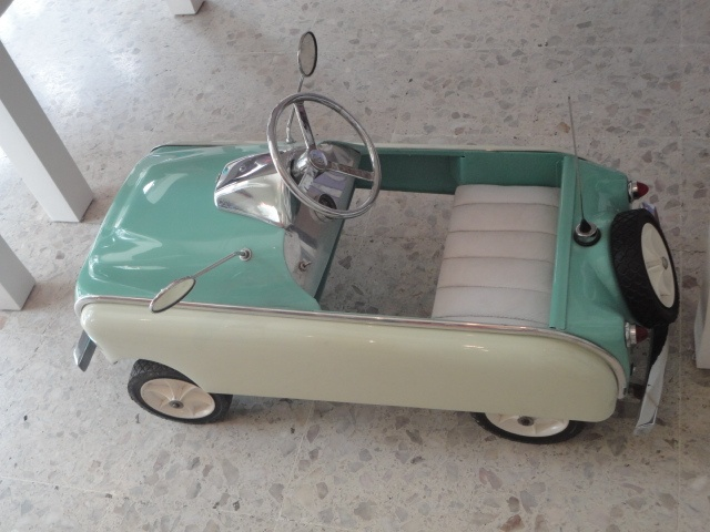 original vintage pedal carwant a real car exactly like this