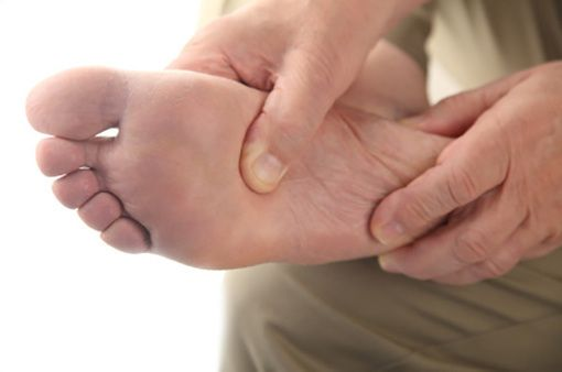 El Paso, TX Treatment. Plantar fasciitis is the most common cause of heel pain. A person is afflicted with this medical condition when the tissue tears in the long ligament that runs along the bottom of the foot, called the plantar fascia ligament. The resulting symptoms include pain and inflammation.For Answers to any questions you may have please call Dr. Jimenez at 915-850-0900