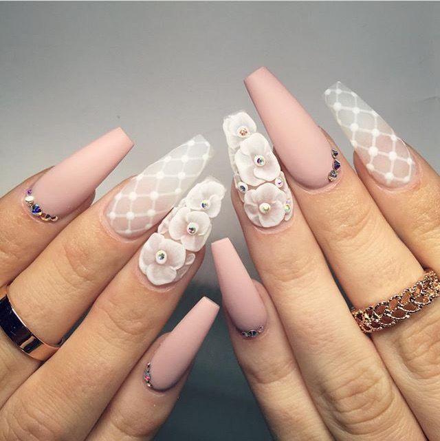 Nude + blanco + transparente + mate + 3d + pedrería + flores + mano alzada @jenιιмarιee ♡
