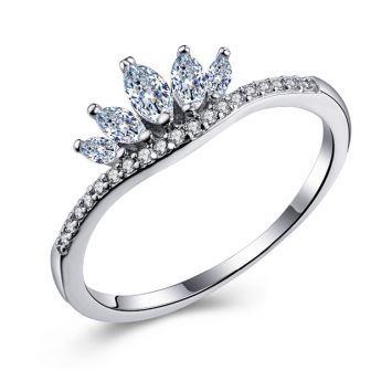 Женское кольцо - Кристальная корона  Серебряный с белым камнем