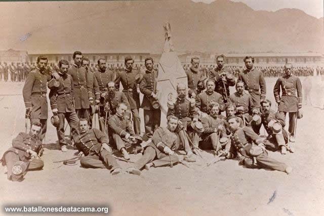 Fotografías Históricas de La Guerra del Pacifico 1879 _ 1884 Oficialidad del Batallón Coquimbo en Antofagasta.