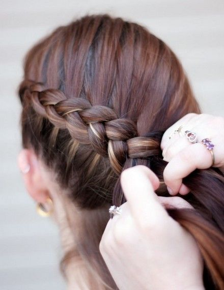 Step by Step Instructions On How to Fishtail Braid ...