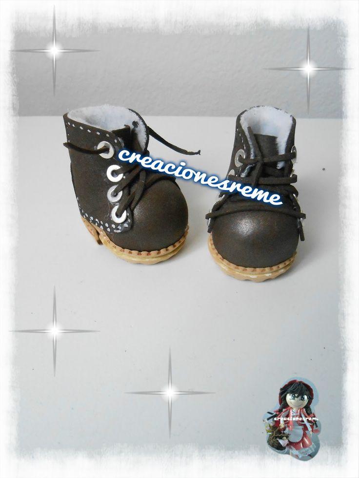 Muñequitas fofuchas de goma eva Creacionesreme botas de fofucha botas de montaña ,botas personalizadas