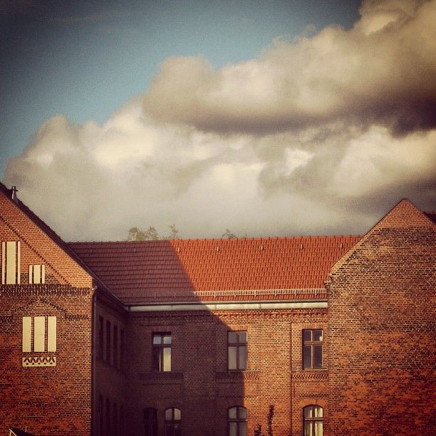 Bricks in clouds #berlinstories #blastfromthepast #preinstaera | Photoshooting Berlin © elafini