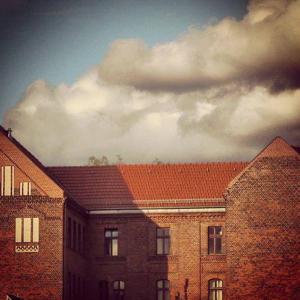 Bricks in clouds #berlinstories #blastfromthepast #preinstaera | Photoshooting Berlin © elafini