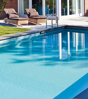 Look like a conventional swimming pool, but uses a biological filter. #chemicalfree