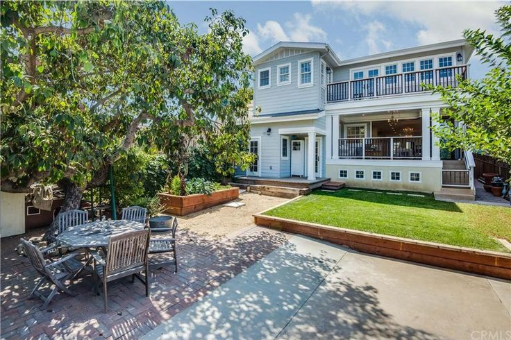 374 Roycroft Avenue, Long Beach Property Listing: MLS® #RS16706655 | Nook Real Estate | Search with Style | Cape Cod