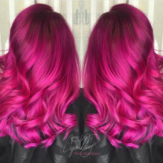"Hot on Beauty sur Instagram : Vibrant Fuchsia Hairpainting Design by @cryistalchaos ""High Voltage Hair"" #hotonbeauty"
