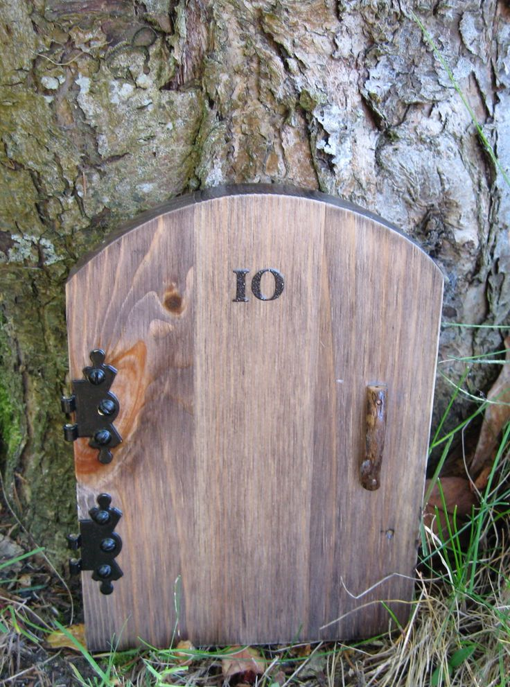 17 best images about wooden fairy doors on pinterest for Wooden fairy doors
