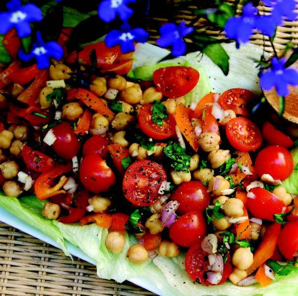 Cherry Tomato, Chickpea & Orange Pepper Salad. #vegan #salad