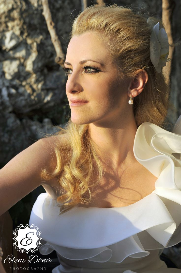 Bridal photo shoot after wedding ceremony. Wedding in Athens, Greece.