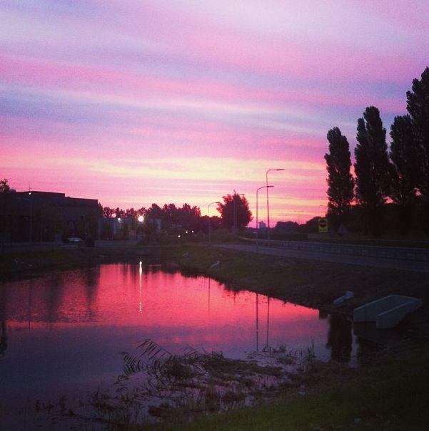 Zonsopgang aan het einde van een nachtdienst in Dordrecht