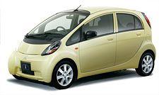 """I 2006 Le """"i"""" est lancé et devient la première à obtenir un Grand Prix. En utilisant le """"i"""" comme base, Mitsubishi Motors lance sur le marché le véhicule électrique nouvelle génération """"i-MiEV"""", le fruit de plus de 40 ans de développement de véhicule électrique. Mitsubishi Motors continue à se développer dans les années 2000 comme un pionnier qui ouvrira la porte aux prochains siècles …"""
