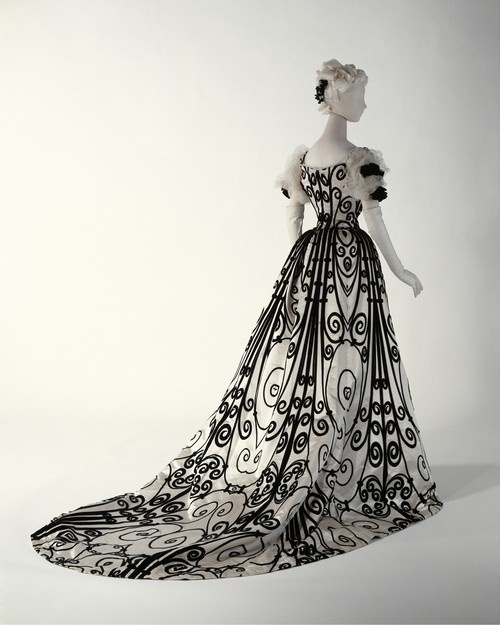 Charles Worth gown - Murray Arbeid did a version of this in 1980's
