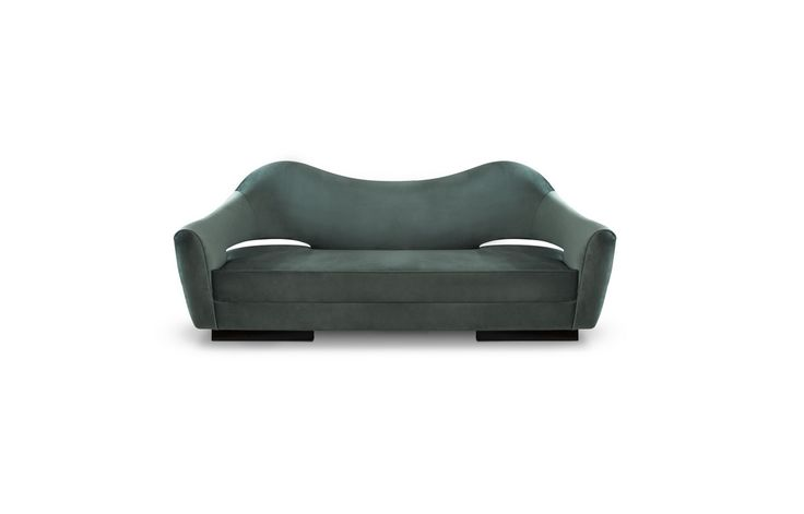 NAU living room sofa invites you to sit and make your own adventure in the comfort of your modern living room furniture set. | Modern Sofas. Living Room Set. #modernsofas #livingroomideas #velvetsofa Discover more: https://www.brabbu.com/en/upholstery/nau-sofa/