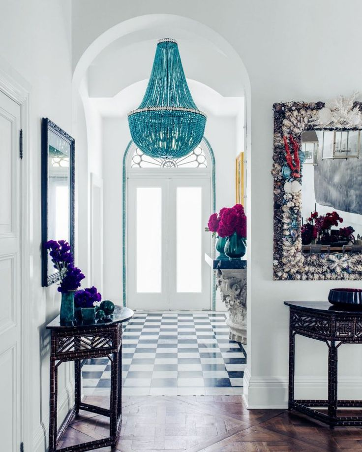 Collette Dinnigan's year of living in Italy has brought on some unexpected changes to her lifestyle preferences that leaves her landmark Sydney home all but redundant.
