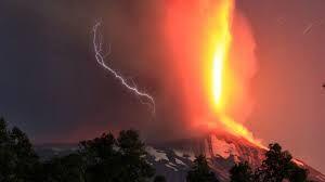 ..que la fuerzas del cielo actuaban sobre la tierra  y la tierra en ocasiones retaba también el poder del cielo...
