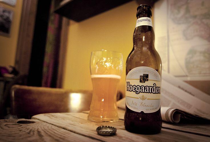 «Bevvi un sorso di birra. Mi era venuta un'idea...» Roberta Baria trova la bottiglia di birra di Bruno sul tavolino del bar Bixio... #ilpassatoèunabestiaferoce http://www.massimopolidoro.com/il_passato_e_una_bestia_feroce/