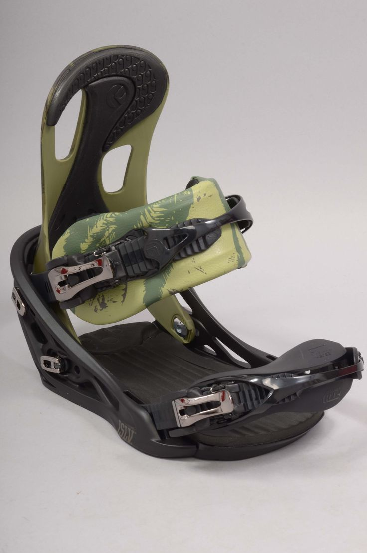 Les fixations de #snowboard Flux Bindings sont disponibles au shop, ici la TT collab JSLV !