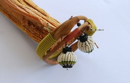 ''Bulbs'' bracelet by Lenti Vasso  found wood, silver, macrame knots