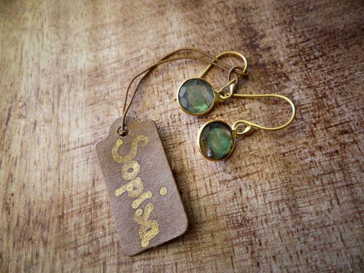 Labradorite Dangle Earrings 22.99$  #labradorite #jewelry #labradoriteearrings