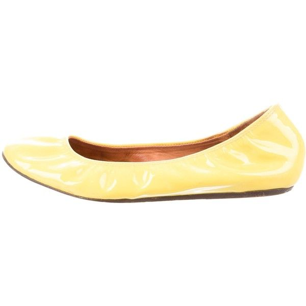 Pre-owned Lanvin Patent Leather Round-Toe Flats ($65) ❤ liked on Polyvore featuring shoes, flats, yellow, yellow ballet flats, ballet pumps, ballerina flat shoes, round toe ballet flats and ballerina shoes