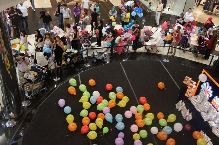 """1-7 Ekim Emzirme Haftası etkinlikleri çerçevesinde,  2 Ekim 2014 Perşembe günü Antalya Migros AVM zemin katta """"En Güzel Süslenmiş Bebek Arabası"""" etkinliğinde eğlenceli anlar yaşandı. Kimler bizimleydi?"""