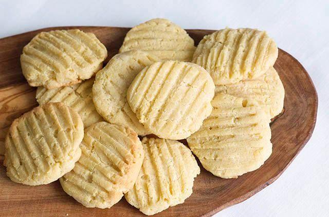 Easiest Almond Flour Cookies (3 ways)  #justeatrealfood #lmichellek