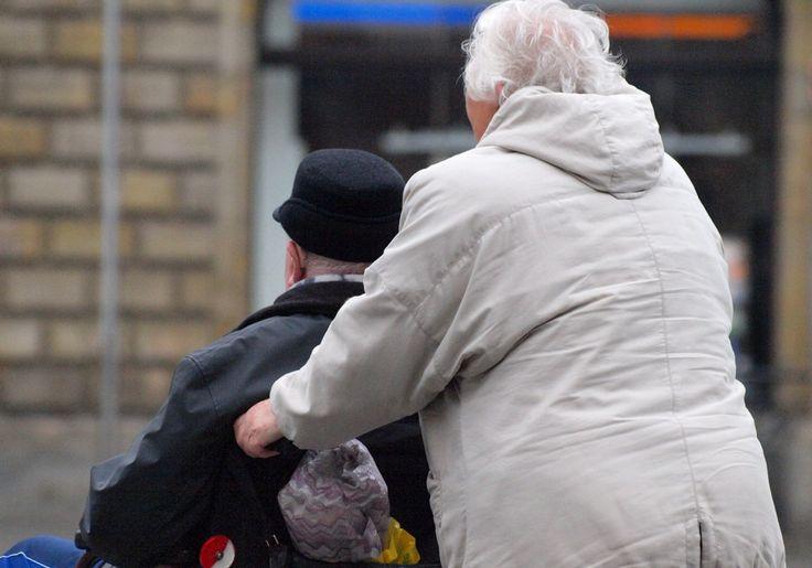 Altersarmut in Deutschland: Jeder Zweite ab 2030 unter der Armutsgrenze - http://www.statusquo-news.de/altersarmut-in-deutschland-jeder-zweite-ab-2030-unter-der-armutsgrenze/