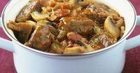Dieser Filettopf aus dem Backofen ist das perfekte Partyrezept mit Fleisch für viele Gäste. Es ist schnell vorbereitet und muss dann nur noch in den Ofen geschoben werden.