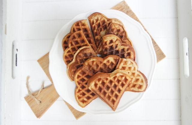 Vandaag het recept voor Gezonde wafels met banaan, maak je wafel niet alleen heel lekker maar ook nog eens heel verantwoord