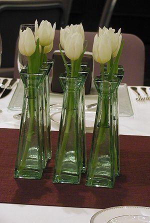 Arranjo de tulipas brancas