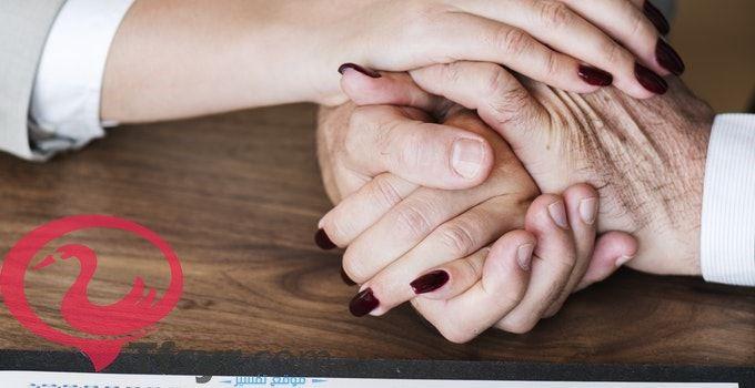 Pin By Tfsyr Com موقع تفسير On تفسير احلام مجانا Holding Hands