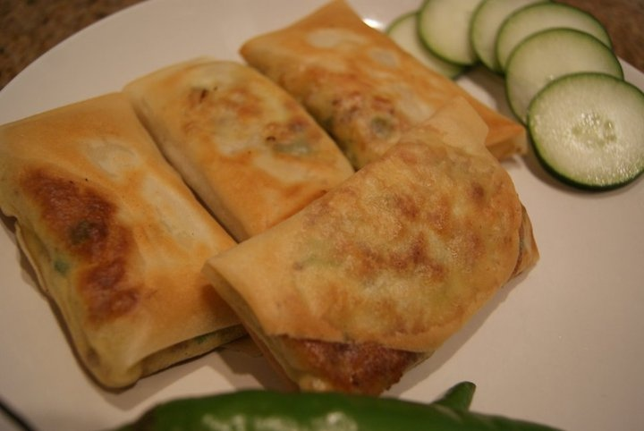 It's Pastry filled with eggs, scallions and beef mixtures and we call it Martabak Telur in Indonesia-from lydia's kitchen