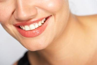 Tips on Using Crest Whitestrips | eHow