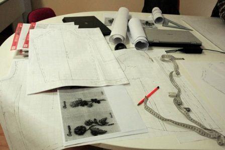 Strumenti per la progettazione di un modello sartoriale - Fashion Design.