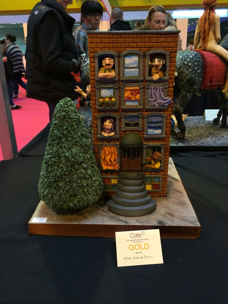 My first ever time entering cake international, was worth all the stress and sleep deprivation, still can't believe I got a gold award for it. Absolutely overjoyed!  Find me at facebook.com/tikisbakehouse or tikisbakehouse.blogspot.co.uk