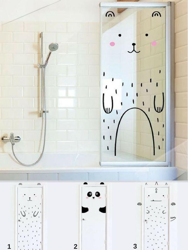 Idée déco salle de bain avec un stickers pour la cabine de douche