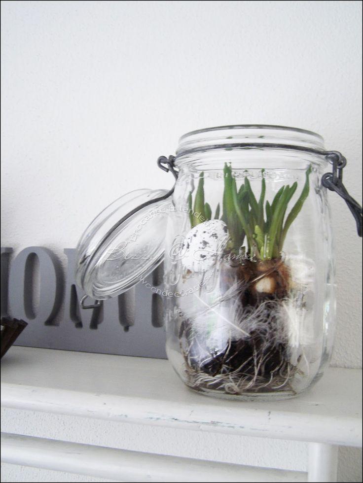 Paasstukje, bolletjes in een glazen pot