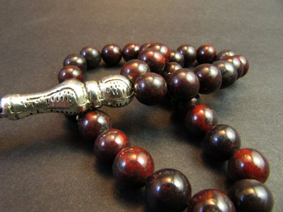 Hand-crafted Tasbih - Misbaha - Prayer Beads made with dragon jasper beads. Beads Dimension: 8mm Length incl. tassel: 9 inches (23 cm) Prayer beads