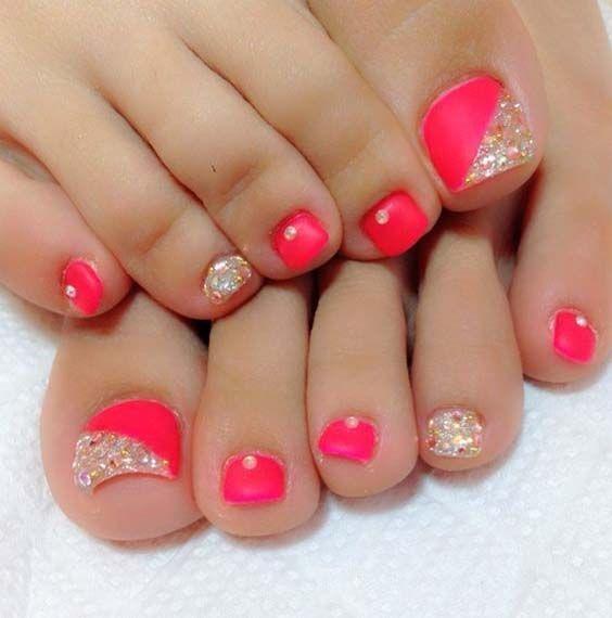 Coral Pink – Gold Glitter – Rhinestones – Toe Nail Design Nail Design, Nail Art, Nail Salon, Irvine, Newport Beach