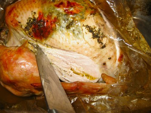 How to Cook a Juicy, No-Mess Turkey in an Oven Bag: Oven Bag Turkey Step 15 - Let the Turkey Rest