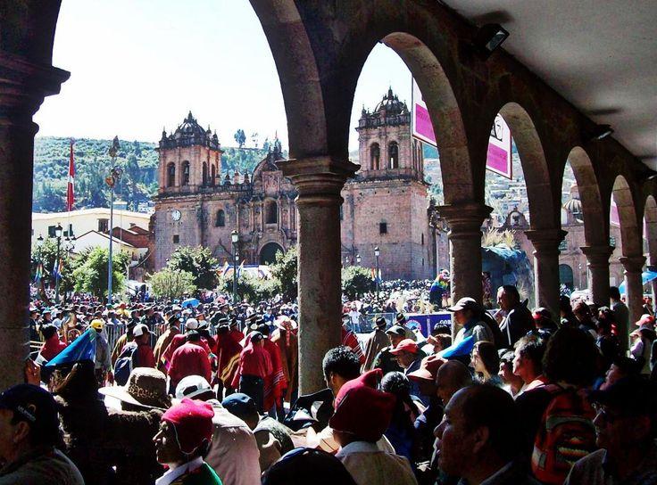 Desfile cívico - Cuzco