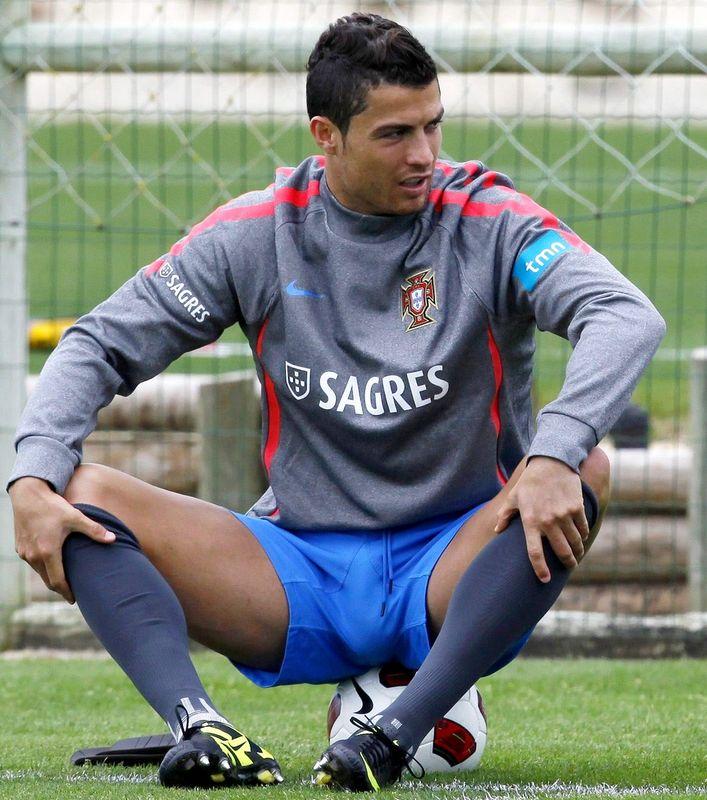 Manuel neuer bulge | Cristiano Ronaldo Big bulge - Bulge