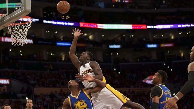 Lakers' Julius Randle has a knack for rebounding #Lakers...: Lakers' Julius Randle has a knack for rebounding… #Lakers #GoldenStateWarriors