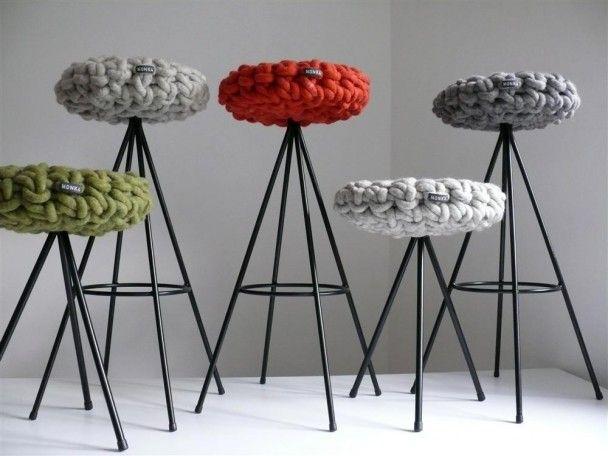 35 besten chairs and poufs bilder auf pinterest puffs st hle und industriedesign. Black Bedroom Furniture Sets. Home Design Ideas