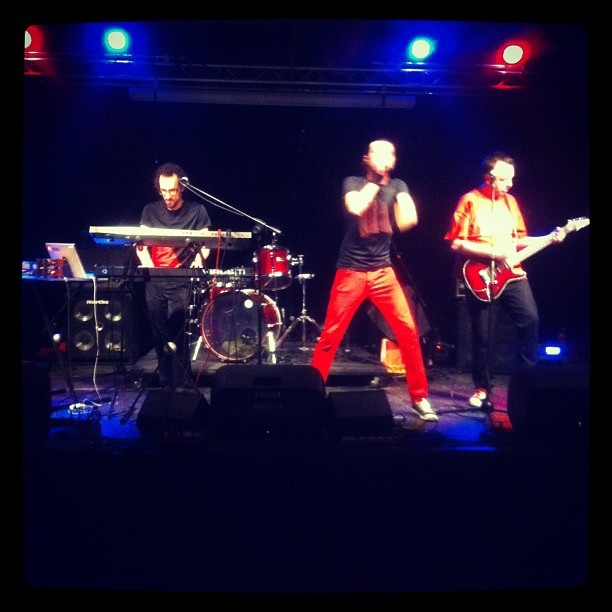 It's only rock'n'roll but i like it * Madrac ( @madracs ) live at Deposito Giordani